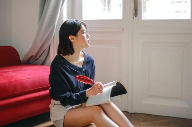 Cara Menulis Artikel Essay dengan Menentukan Topik Apa yang Akan Dikemukakan