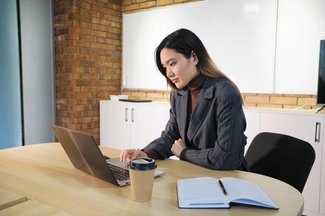 Keuntungan Menjadi Penulis Online