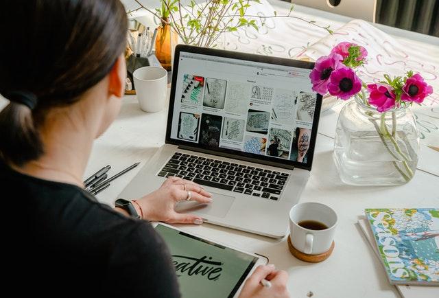 Pembuatan Artikel Essay Menggunakan Bahasa Formal dan Objektif