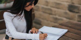 Rekomendasi Jurusan untuk Hobi Menulis Artikel
